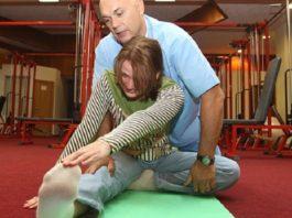 """Доктор Бубновский утверждает: """"Если начали болеть колени или поясница, запомните: никогда не прикасайтесь к…"""""""
